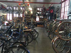Atelier vélo : exemple de Cycles et Manivelles à Bègles